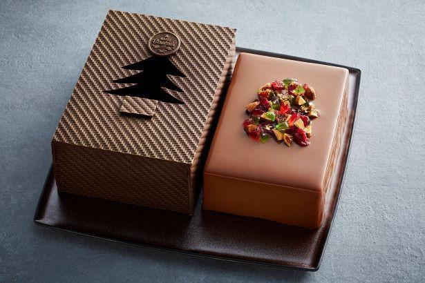 チョコレートの箱を開けるとムースショコラが