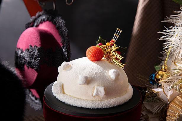 女の子の真っ白いベレー帽をみんなが大好きないちごたっぷりのショートケーキに!