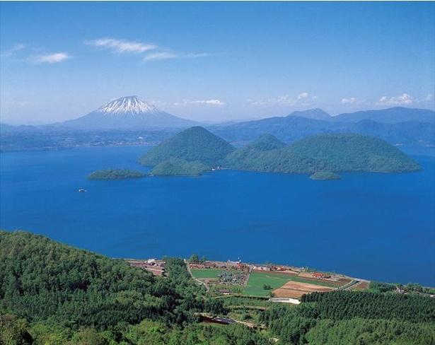 北海道を代表するカルデラ湖・洞爺湖