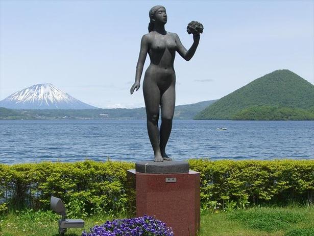 とうや湖ぐるっと彫刻公園にはユニークな彫刻を全58基設置