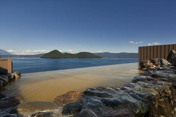 洞爺湖の絶景を見ながら浸かれる露天風呂も(写真は乃の風リゾート)