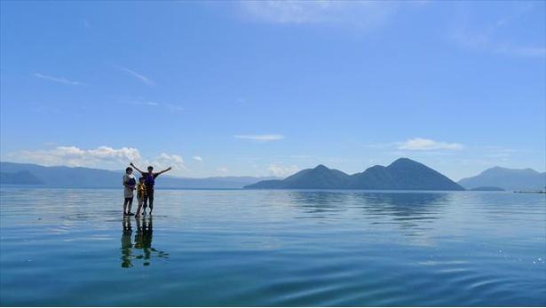 湖の上に立って写真が撮れる!洞爺湖のゼロポイント