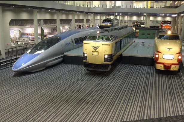 蒸気機関車から新幹線まで、貴重な53両が勢ぞろい