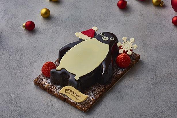 濃厚なピスタチオとルビーショコラのムースを閉じ込めた「Suicaのペンギン ルビーチョコレートケーキ」は味も抜群