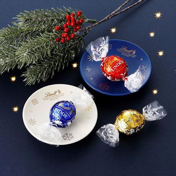 「クリスマス陶器トレイ」はチョコレートやケーキにぴったりのサイズ