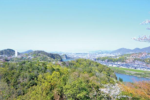 犬山城をはじめ、小牧山城や岐阜城を一望できる「展望台」。上から望む美しい景色必見だ