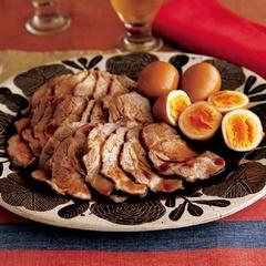 【作り置きレシピ】フライパンで煮るだけなのに本格味の「煮豚」でラクしよう