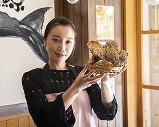 美人YouTuber「魚屋の森さん」が教える!【電子レンジで超簡単】「牡蠣レシピ2品」