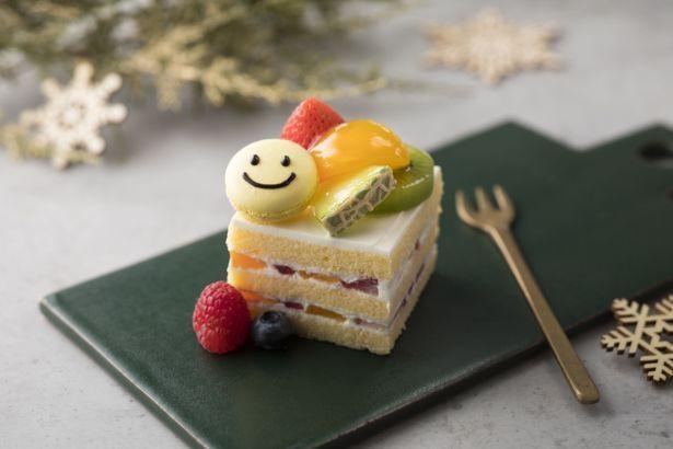 スマイルフルーツショートケーキ(738円)。色とりどりのフルーツがかわいい