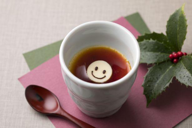 東京ドームホテルの「スマイル」シェフプリン(530円)は、思わずほっこり笑顔になる癒やし系プリン