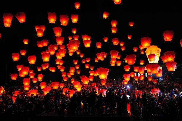 スカイランタン祭りは現地でも人気のイベント