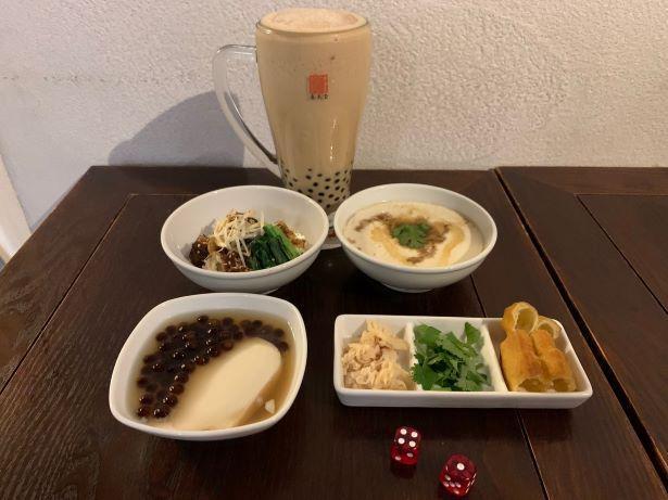 「春水堂」の定番メニューを網羅した「台湾食べ歩きセット」で、台湾に行った気分を味わおう