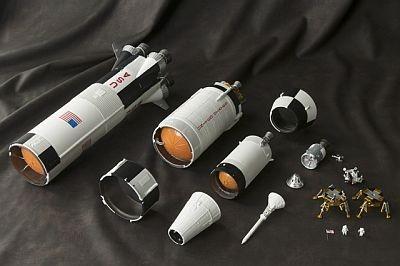実際のロケット同様9個のパーツに分割し、打ち上げから帰還までの全行程を再現できる
