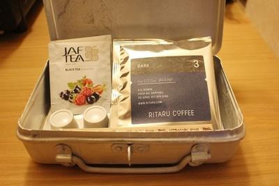 客室には「RITARU COFFEE」とコラボレーションしたドリップコーヒーの他、フレーバーティーを用意
