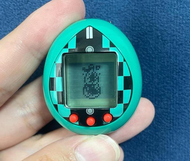 ゲーム「瓢箪を割れ!」は、ひたすらボタンを連打して瓢箪を割る