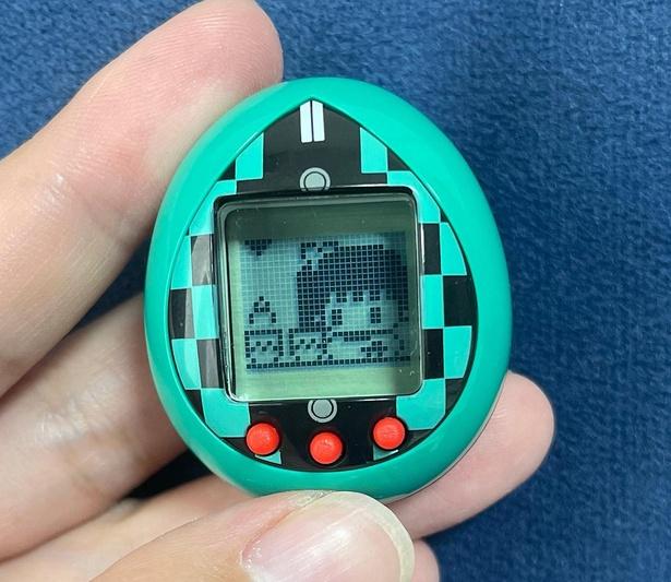 ゲーム「薬湯をかけろ!」は、栗花落カナヲと勝負。指定されたボタンを指定された回数押して、薬湯をかけられるのを阻止する