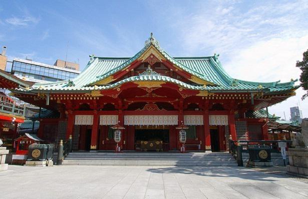 1934(昭和9)年に造営された総朱漆塗の社殿