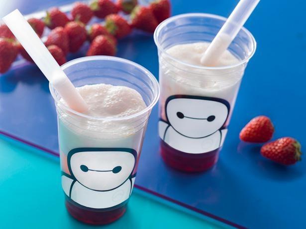11月2日に新発売された「スパークリングタピオカティー(チーズクリーム&ベリー)」。ベイマックスデザインのカップに胸キュン!