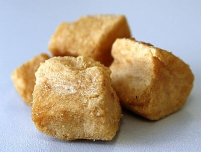 「惣菜スナック 肉じゃが」は、ジャガイモがメイン。豚肉も入っているが、形状は留めていない