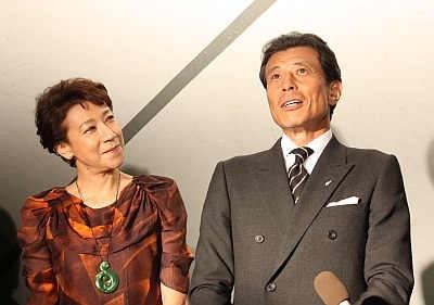テープカットセレモニーには、前田美波里さんと舘ひろしさんが登場