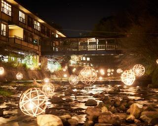 あたたかい光が街を灯す、熊本県南小国町で「黒川温泉 湯あかり」開催中