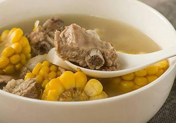 ボリュームたっぷりのスープは寒い日にぴったり