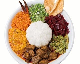 「アンブラ」(1000円)。好みのカリー1種に、5種のスパイス系の副菜、豆の粉で作った生地を揚げたパパダム付き/セイロンカリー