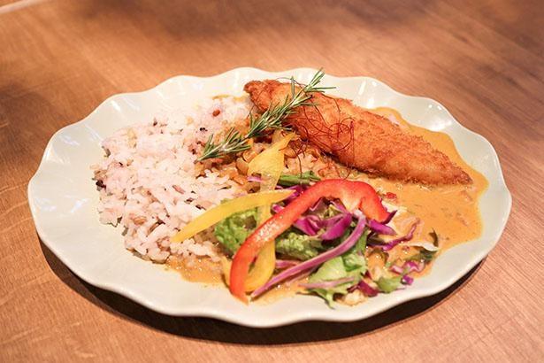 【写真】巨大魚ピラルクを食べられる!「ピラルクカレー&フィッシュフライ」に注目