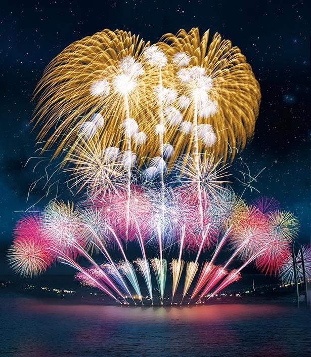 【写真】海上に上がる花火、音楽、ナレーションなどで作り上げる劇場は、この日、この場所でしか観賞できない! /「第6回 ISOGAI 花火劇場 in 名古屋港~次世代を担う子供たちに美しい花火を~」