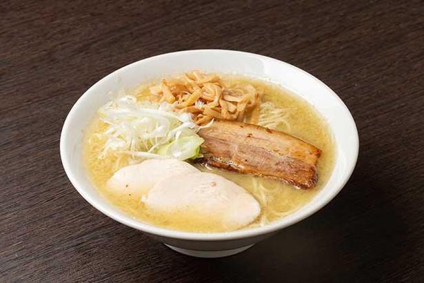 清湯と白湯をブレンドし、鶏の旨味を追求