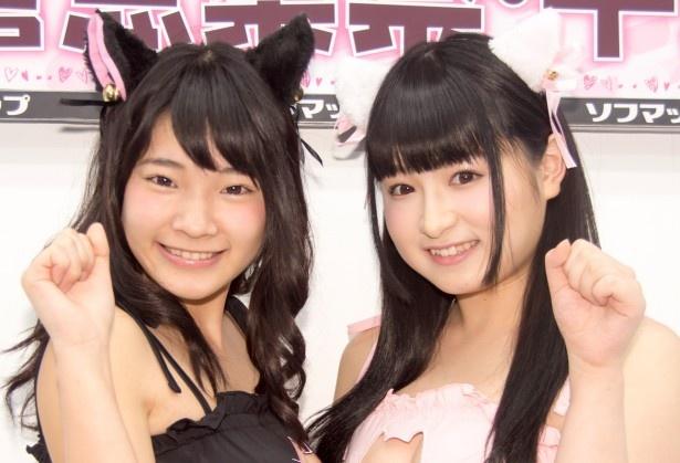 DVD「美少女伝説 Angel&Devil」発売イベントに出席した朝倉恵梨奈と平野もえ(写真左から)