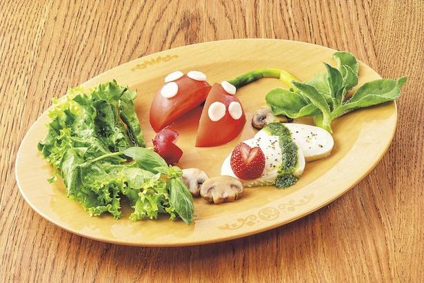 トマトやいちごが、パックン型に!パックンフラワー・カプレーゼ