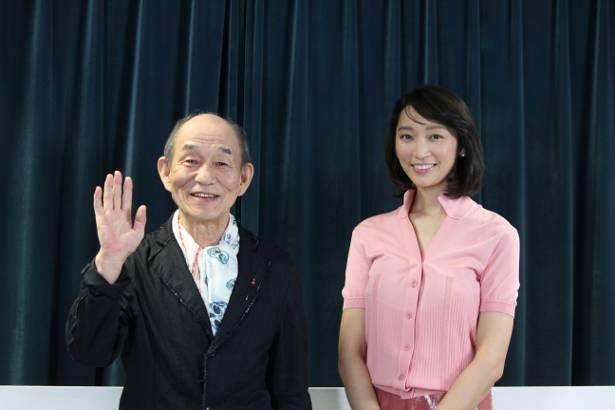"""4夜連続の番組「JAPANGLE」では、さまざまなアングルから日本を観察し、我々にとっての""""ふつう""""から""""ニッポンらしさ""""を見いだしていく。写真は声の出演をする笹野高史と杏"""