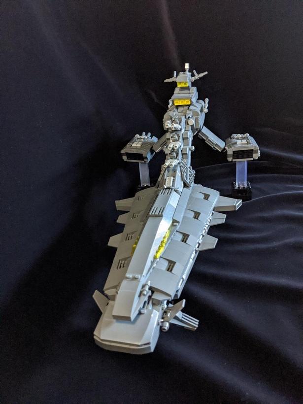 ジオン公国の軽巡洋艦「ムサイ」