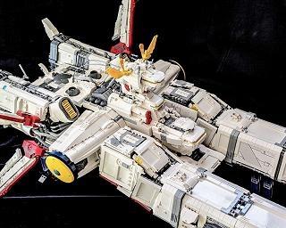 """これがレゴだと?ガンダムの母艦「アルビオン」「アーガマ」「ラー・カイラム」を作った""""本気の遊び""""が凄い"""