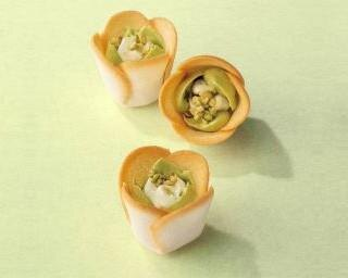 バレンタインはピスタチオ! 大人気「チューリップローズ」がピスタチオグリーンで登場