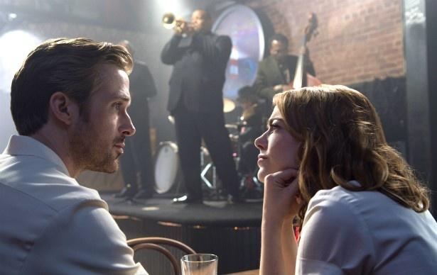 女優志望のミア(エマ・ストーン)とジャズピアニストのセバスチャン(ライアン・ゴズリング)の恋を描く