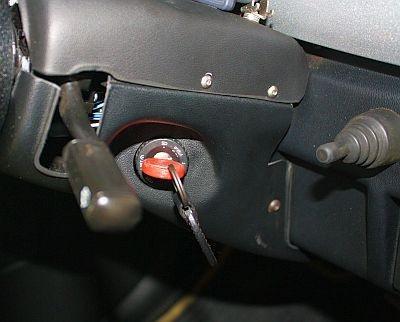 ガソリン車と同じく、キーを回すだけでエンジンがかかる