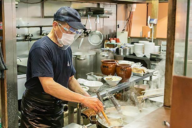 店長の滝澤恒央さん。従業員の衛生管理を徹底して行う