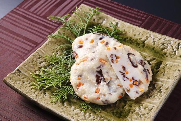 奈良県五條市の純国産きくらげ「明日香きくらげ」を、ふんだんに入れた揚げ天。人気商品の一つ