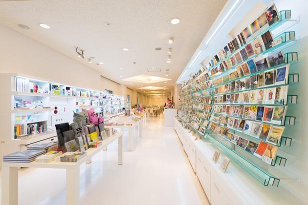 ミュージアムショップに並んでいる商品は、公式サイトからオンラインでの購入も可能