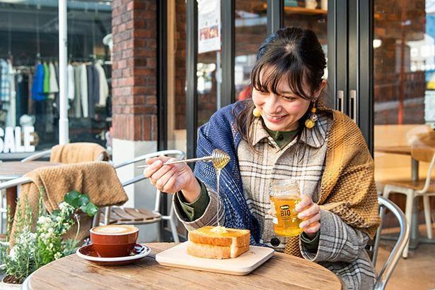 天気のいい穏やかな日はテラスで食べるのも気持ちがいい