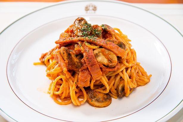 生のトマトやトマトペーストで作られるスパゲッティ ナポリタン(1,980円)