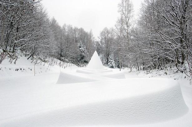 ダニ・カラヴァン「隠された庭への道」