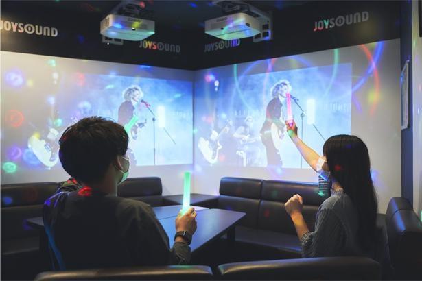 ライブ映像も大音量で楽しめるのが「みるハコ」の良さ