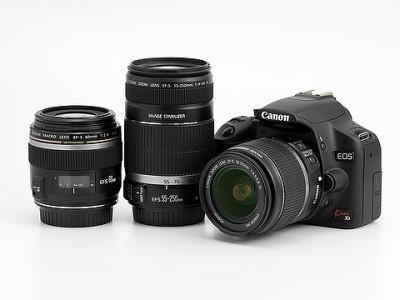 デジタル一眼レフや交換レンズのほかにビデオカメラなどもレンタルできる