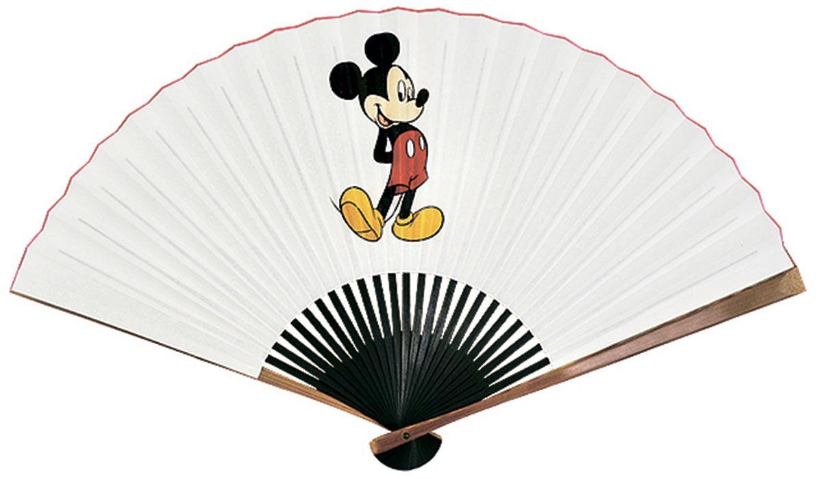 1823年創業の、京扇子の宮脇賣扇庵。店名は文人画家である富岡鉄斎の命名だとか。今回はミッキーマウスを描いた京扇子(6800円)が登場する (C)  Disney