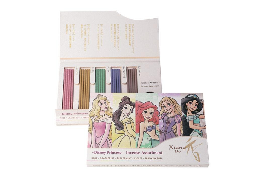 松栄堂は300余年の歴史あるお香の店。ディズニープリンセスをイメージしたインセンス「DC Xiang Do ~ディズニープリンセス~」(2000円)は手軽に使えるお香 (C)  Disney