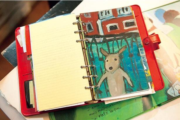 リサとガスパールが誕生するきっかけとなった「赤い手帳」も展示