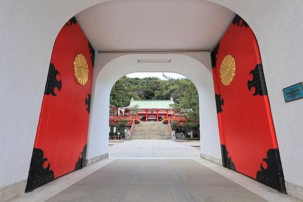 「水天門」は国の登録有形文化財に指定されている
